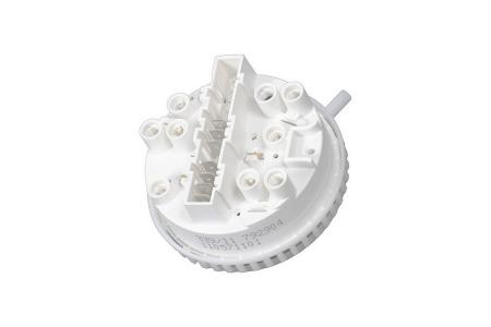 Pressostat (2 niveaux, 7 contacts) machine à laver 1105711012